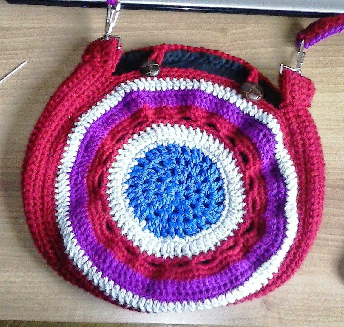 Manualidades varias bolso de ganchillo for Manualidades de ganchillo bolsos