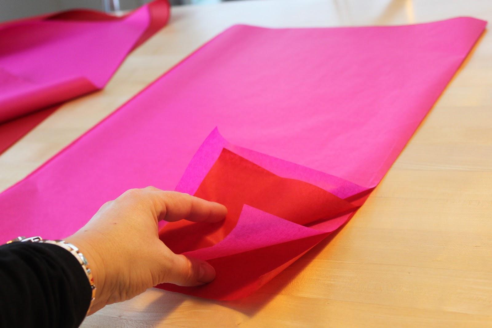 pompoms bringen farbe in spielweberin nachhaltig und kreativ. Black Bedroom Furniture Sets. Home Design Ideas