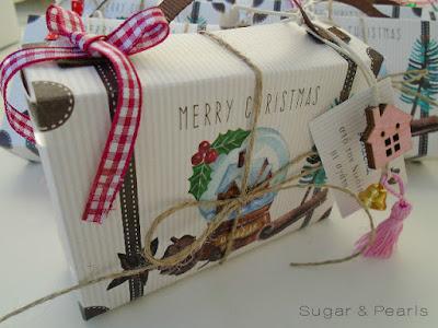 Χριστουγεννιάτικο βαλιτσάκι favor box