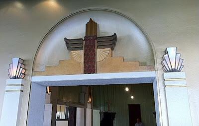 Entrance to Kinselas chapel