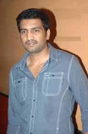 Santhanam Height - How Tall