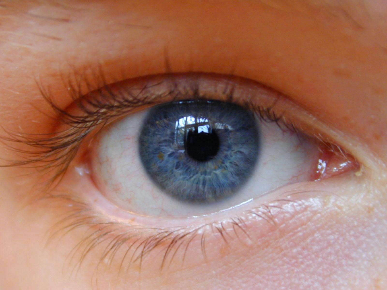 Как сделать белки глаз человека белее? Видео - Woman's Day 61