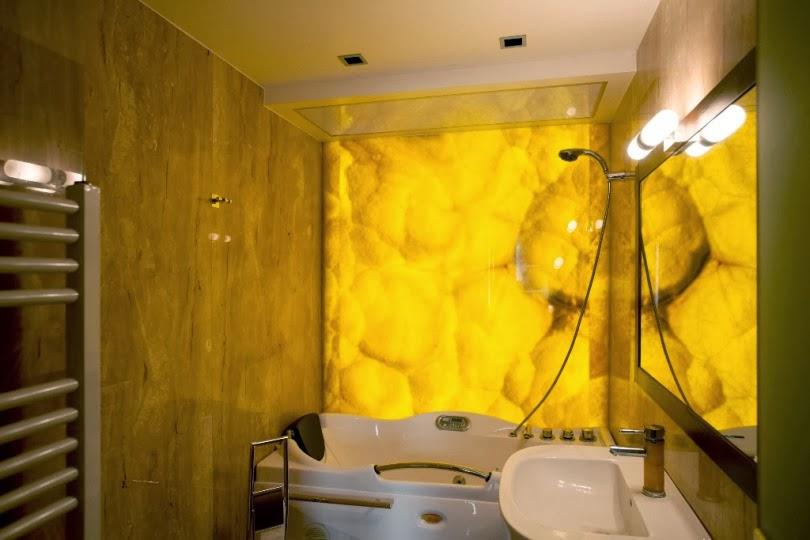 Баня оникс със светеща стена и таван 1