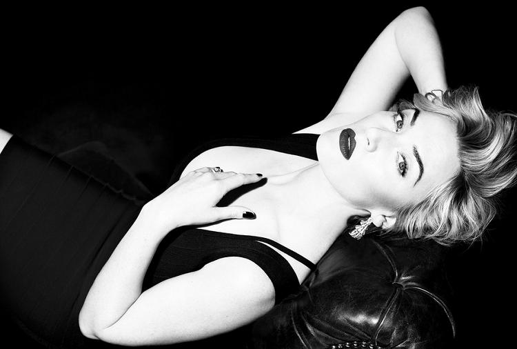 Amazing Kate Winslet Beautiful Black&White Photography