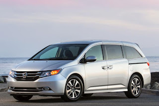 2015 Comvatible Honda Odyssey family used front view