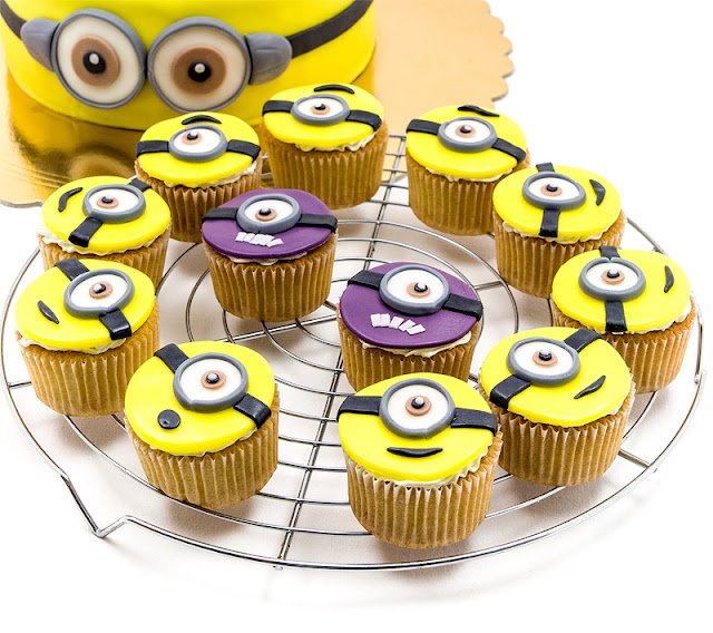 Minion cupcakes minioni kolački close up