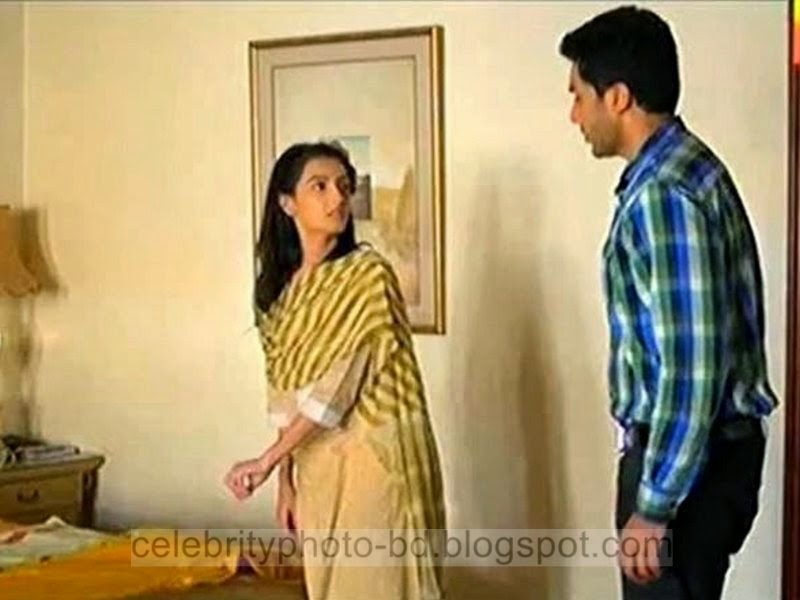 Pakistani+Tv+Drama+Actress+Model+and+Host+Momal+Sheikh+Hot+Unseen+Pictures005