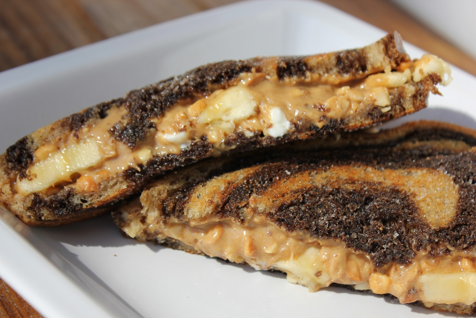 Let's Do Lunch: Grilled Peanut Butter and Banana Sandwich