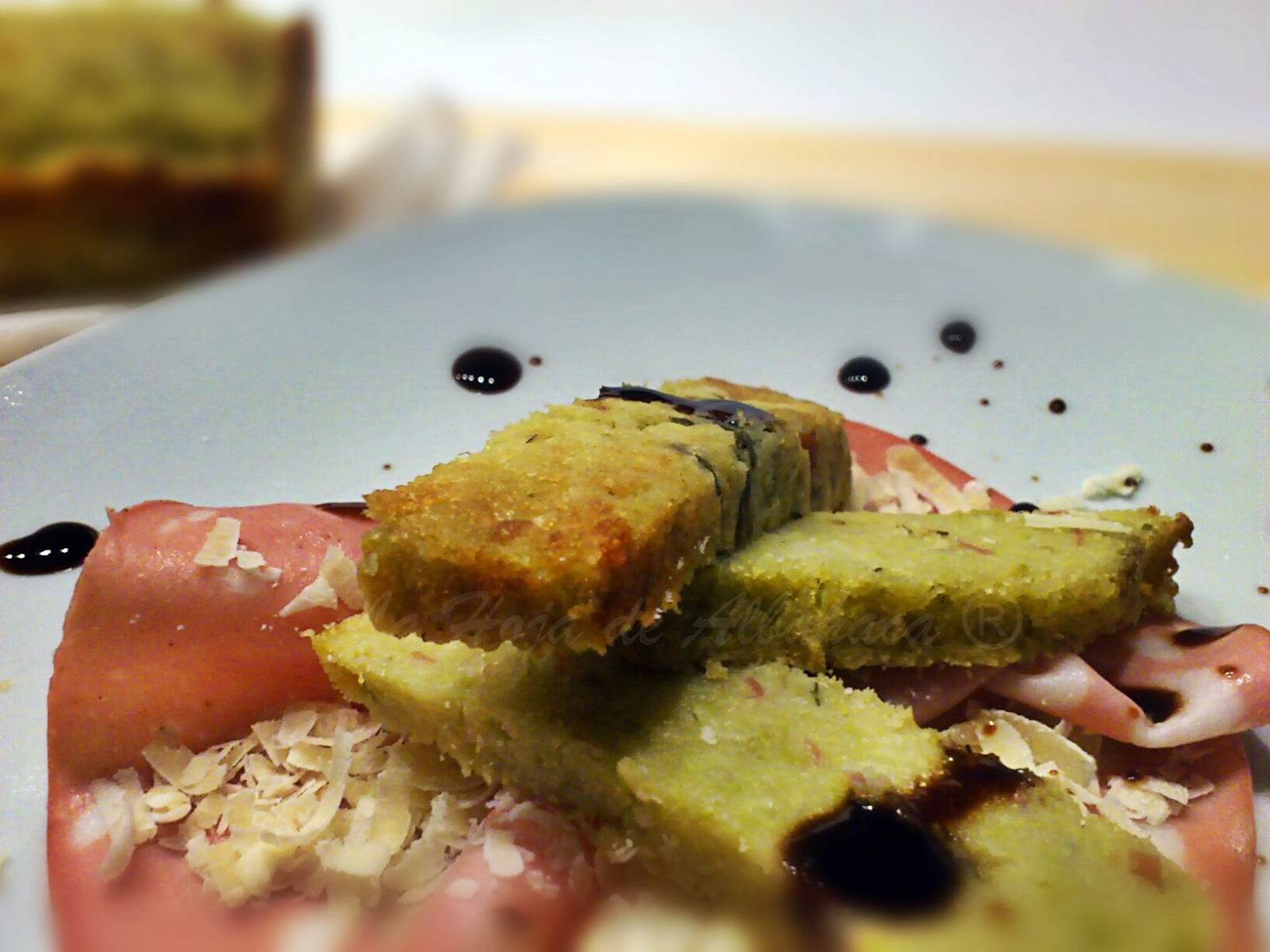 Pastel de brócoli romanesco, gelatina de vinagre de Módena,harina de semola de trigo duro, alcaparras, brócoli romanesco. Mulino Marino, Si.Gi., Gelatina de vinagre de Modena