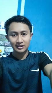 Photo Selfy Hasan mengenakan jersey setelan futsal squad performance