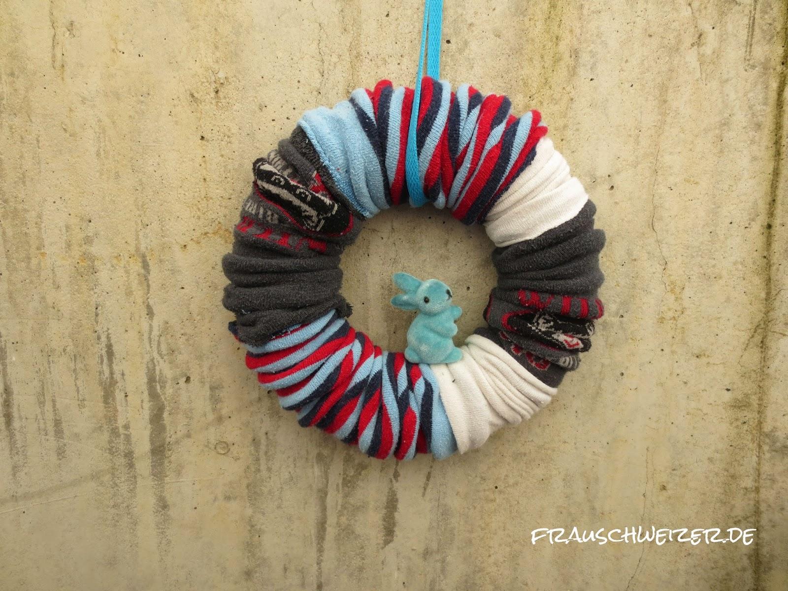 DIY: einen tollen einfachen Strumpfhosenkranz basteln 3