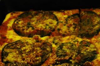 Immagine pizza alla parmigiana, ricetta siciliana