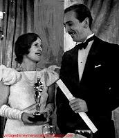 Foto de Walt Disney e sua esposa Lilian Bounds Disney