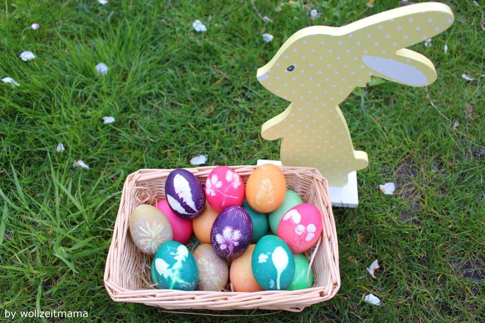 Wollzeitmama: Ostereier färben mit Blättern