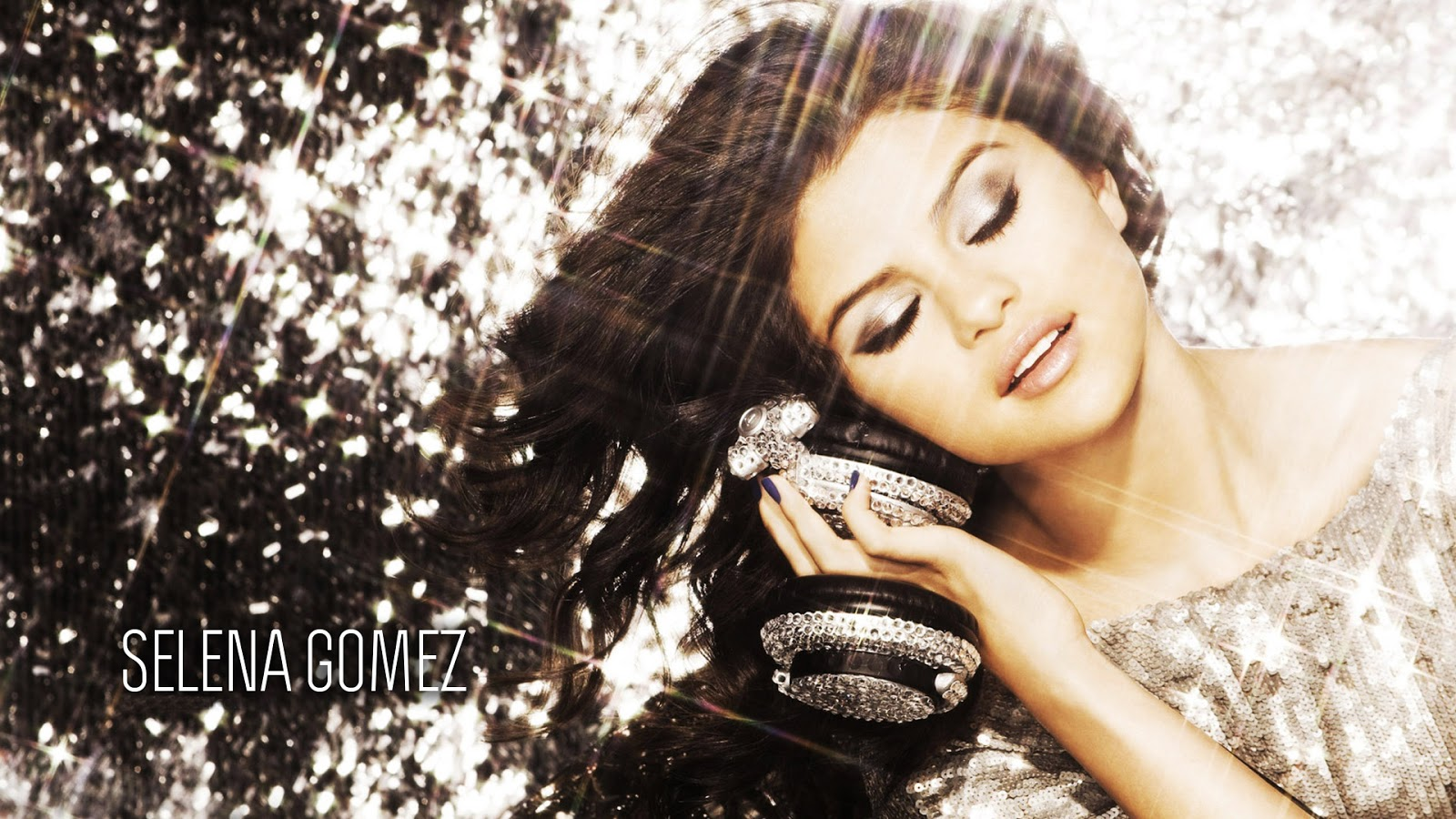 Selena Gomez HD Wallpaper