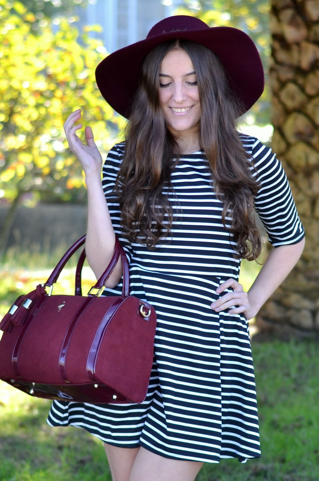 Outfits menbur burgundy bag