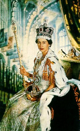 ROYAL COUTURE.....Queen Elizabeth II Norman Hartnell ...
