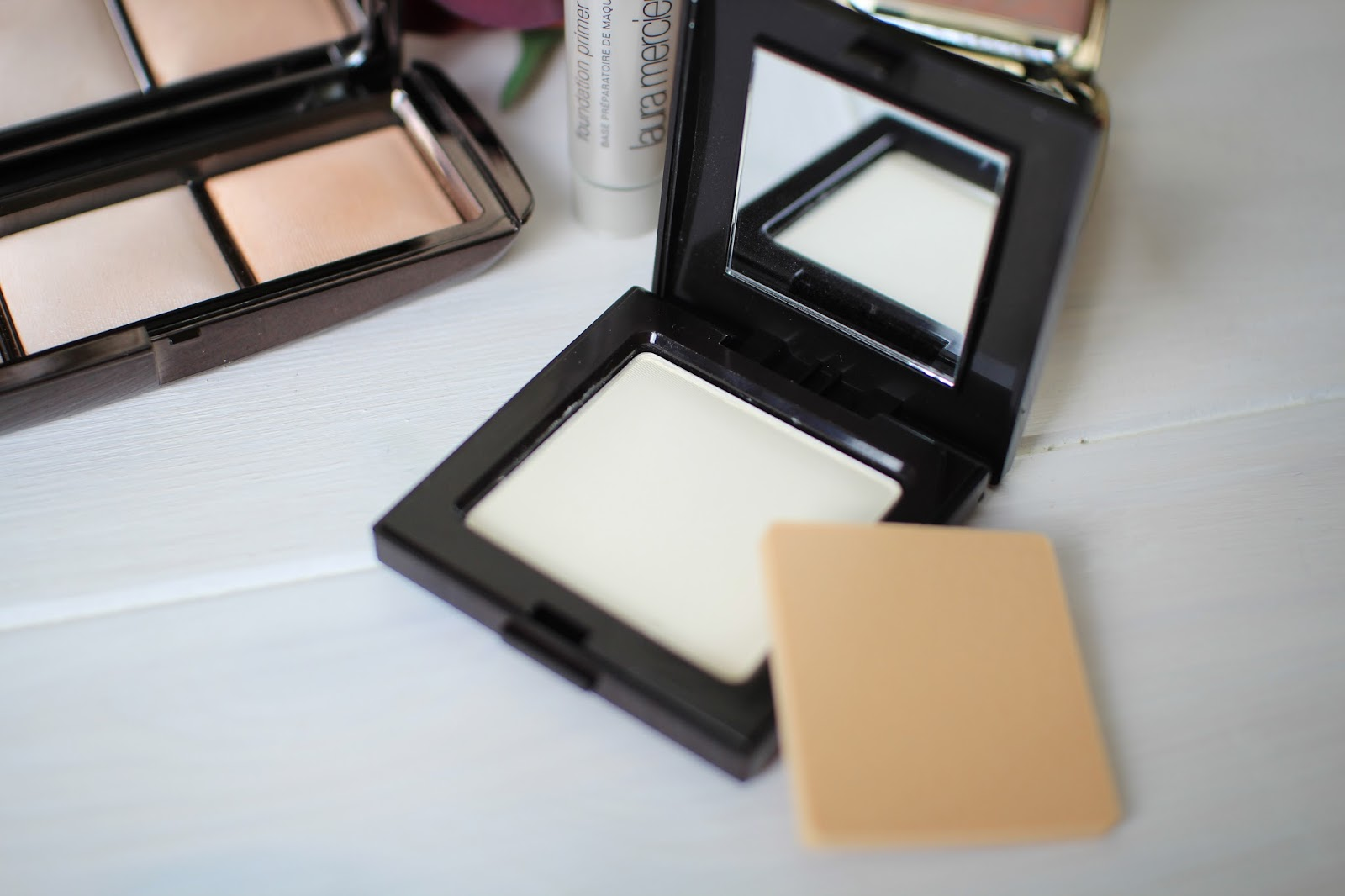 Laura Mercier Pressed Powder in translucent