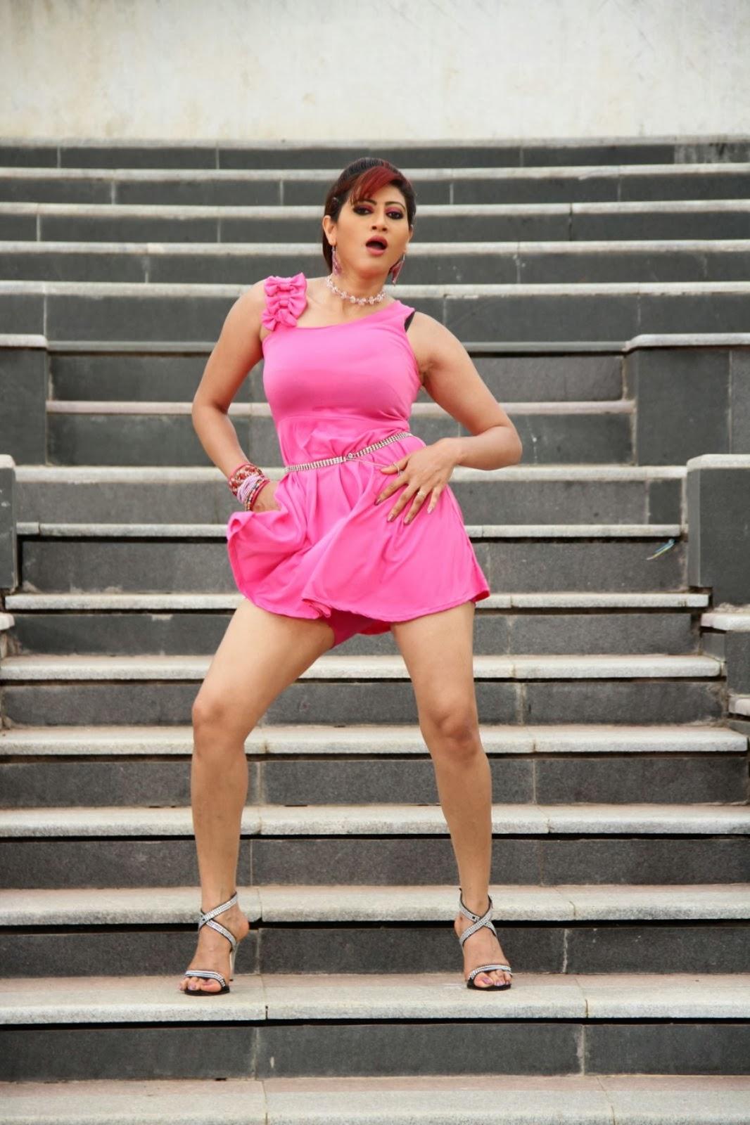 TV Actress Rishika Hot Thigh Show Photos