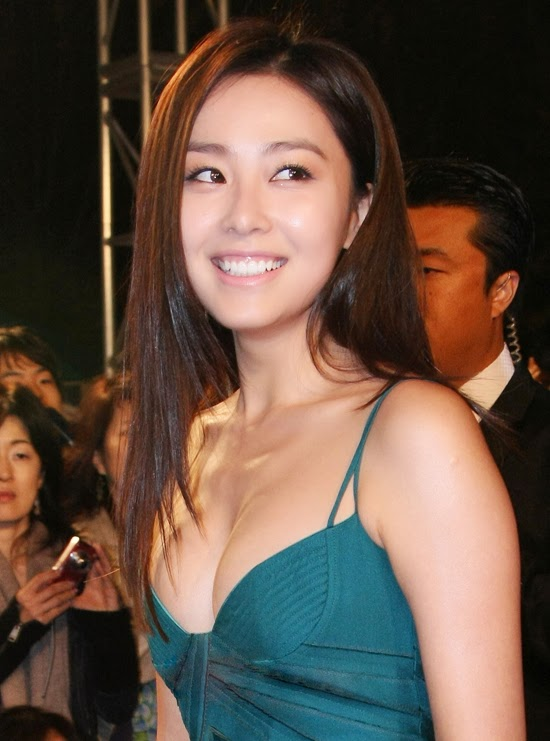 46th Annual Daejong Film Festival Awards (2009) - Hong Soo-hyeon (홍수현) exceptional costume