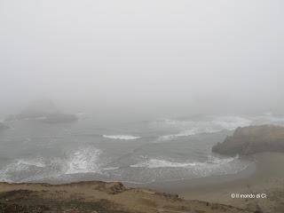 San Francisco avvolta nella nebbia