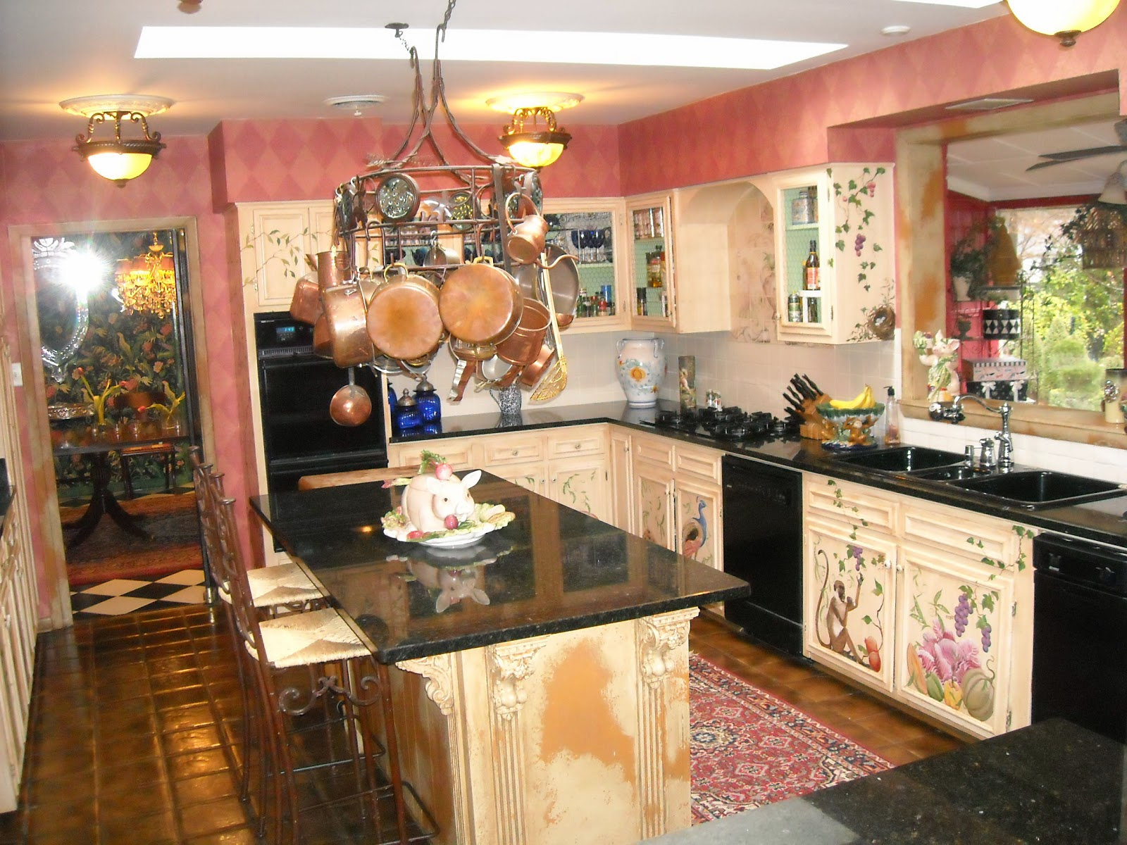 Bows on a pig french country kitchen - French country kitchens ...