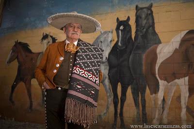 Carlos Enrique Pascual López fue el líder que las jinetes de las escaramuzas estaban esperando.  Pascual era el presidente de la Federación Mexicana de Charrería, y fue el primero que reconoció que el deporte de la Escaramuza era precisamente eso, un deporte. Foto por Leslie Mazoch