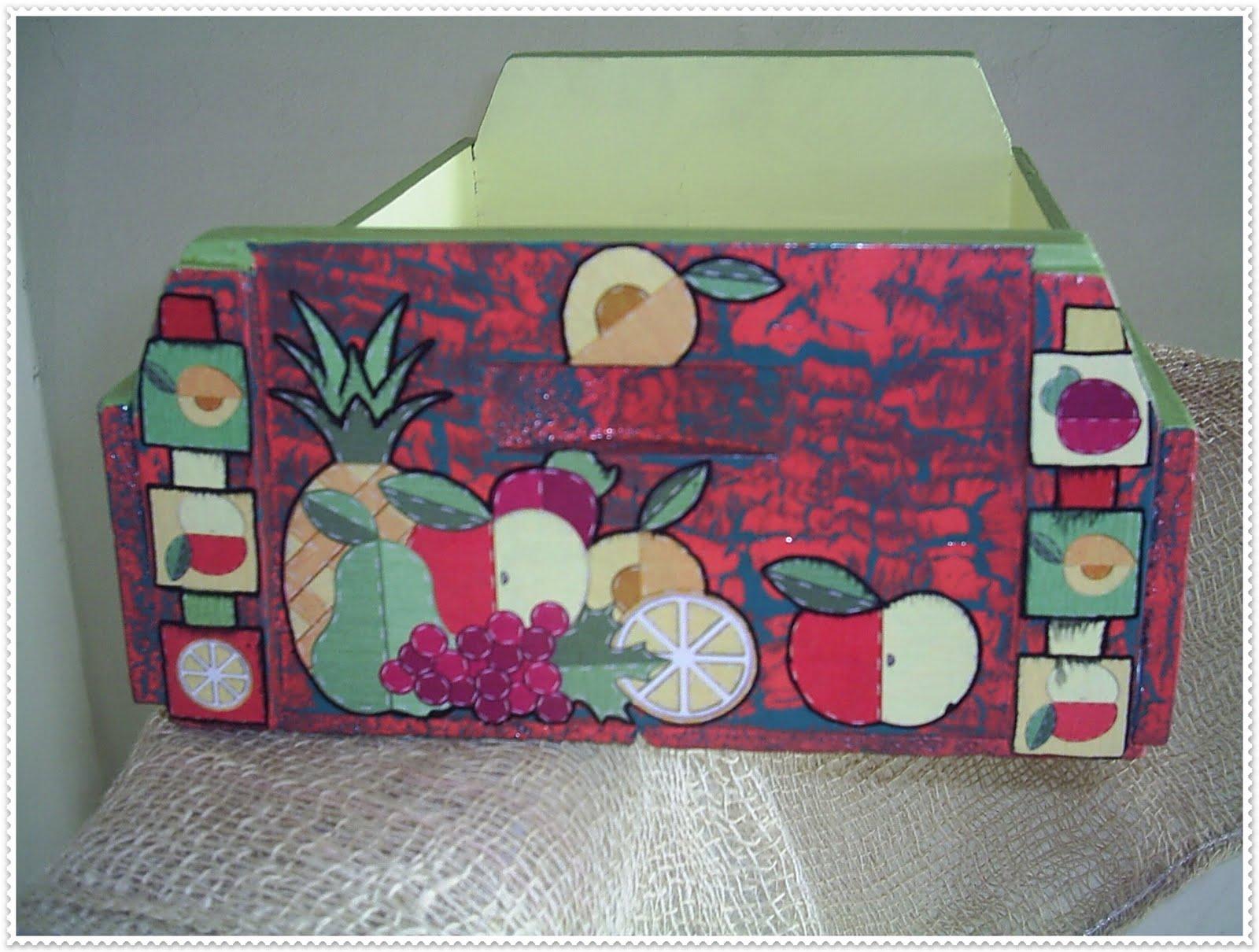 Artesanato e Presentes Anita: Fruteira Rustica Caixa de frutas #9E2D42 1600x1210