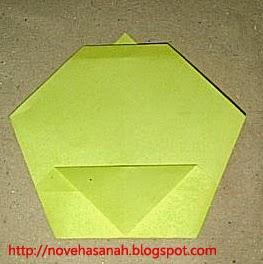 cara melipat kertas origami menjadi bentuk ayam yang sangat mudah sehingga cocok untuk anak TK atau anak SD langkah 13