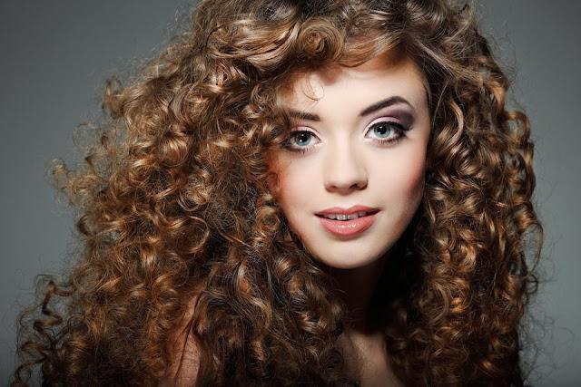 Como voltar o cabelo cacheado e o castanho natural