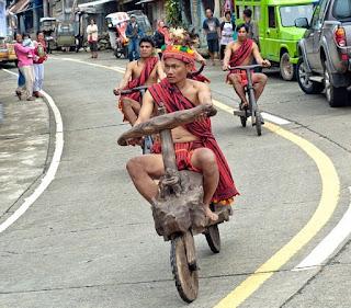 Pertandingan Lumba Basikal Kayu Suku Igorot Filipina