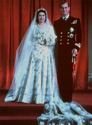 queens wedding dress