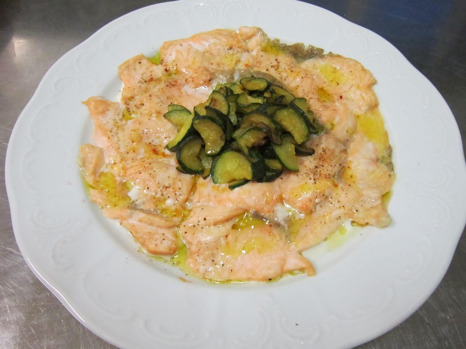 filetto di salmone con zucchine