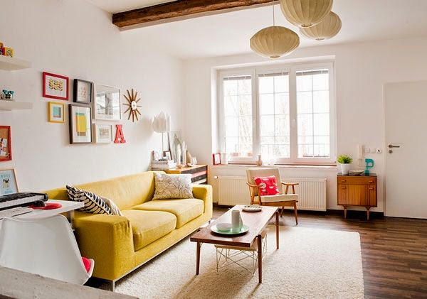 and tke the beautiful table in the center of sofasand other you affix the beautiful painting with wall sothis way your simple living room seems to like beautiful simple living