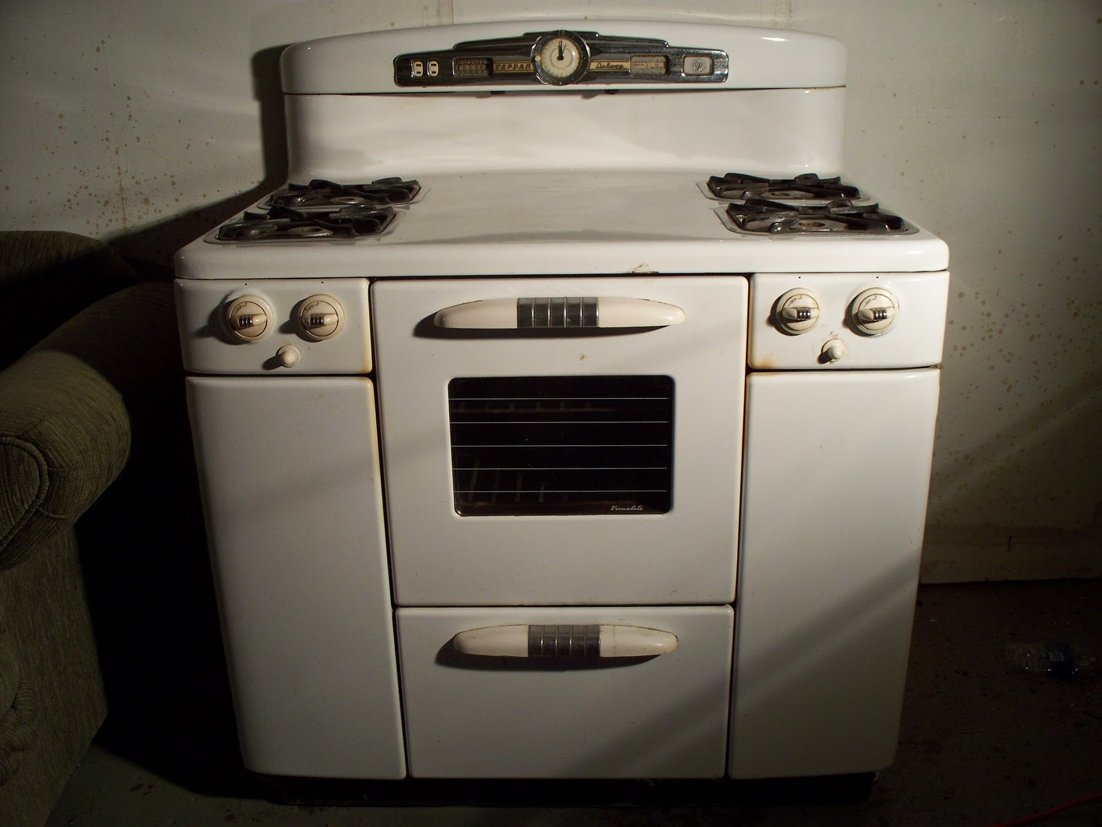 Kitchenaid Oven Temperature Sensor Location further Watch together with T13192996 Need wiring diagram belling format additionally Whirlpool Range Surface Element Wiring Diagram as well Whirlpool Double Oven Wiring Diagram Free Download. on tappan gas range wiring diagram