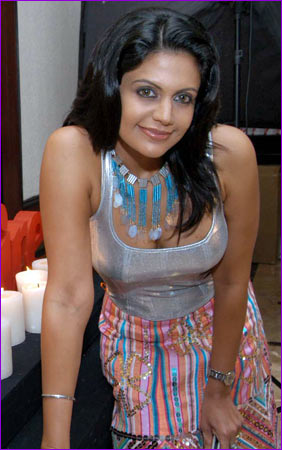 Mandira Bedi long straight hairstyle