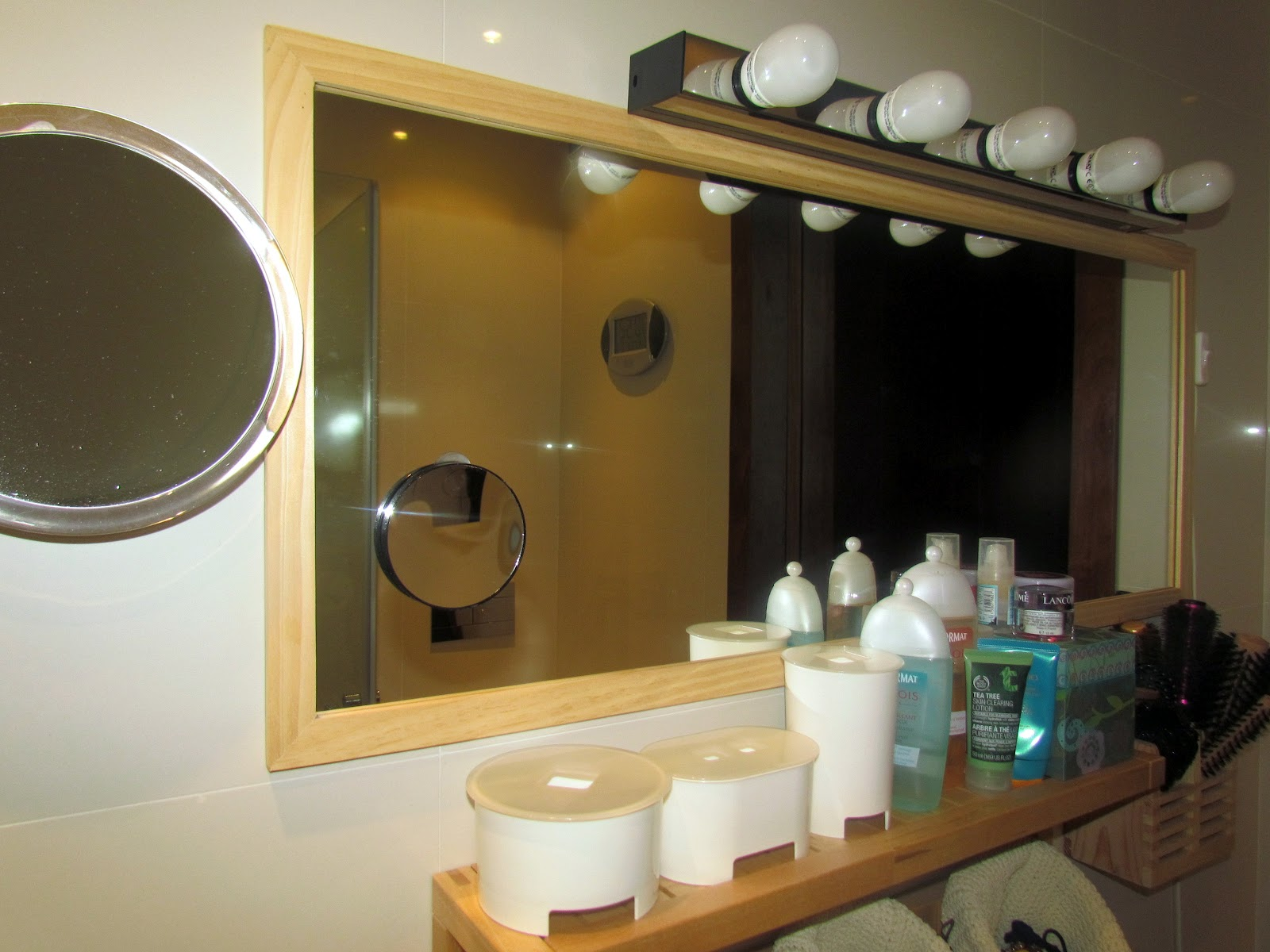 Loja do gato preto: espelho de aumento grande com ventosa. #966E35 1600 1200