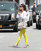 Eva Longoria crossing the street and talking on the phone