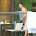 Zac Efron pelado