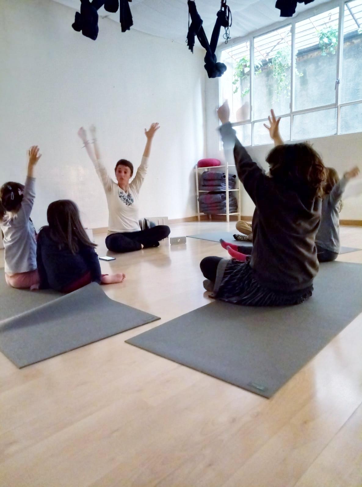 Tallers contes&ioga