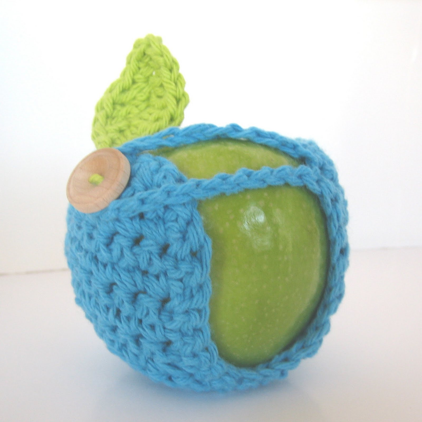 CraftyAnna: Free Crochet Pattern: Apple Cozy