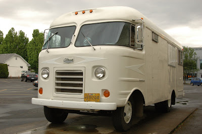 1960-Dodge-Chinook-Mobilodge-RV.