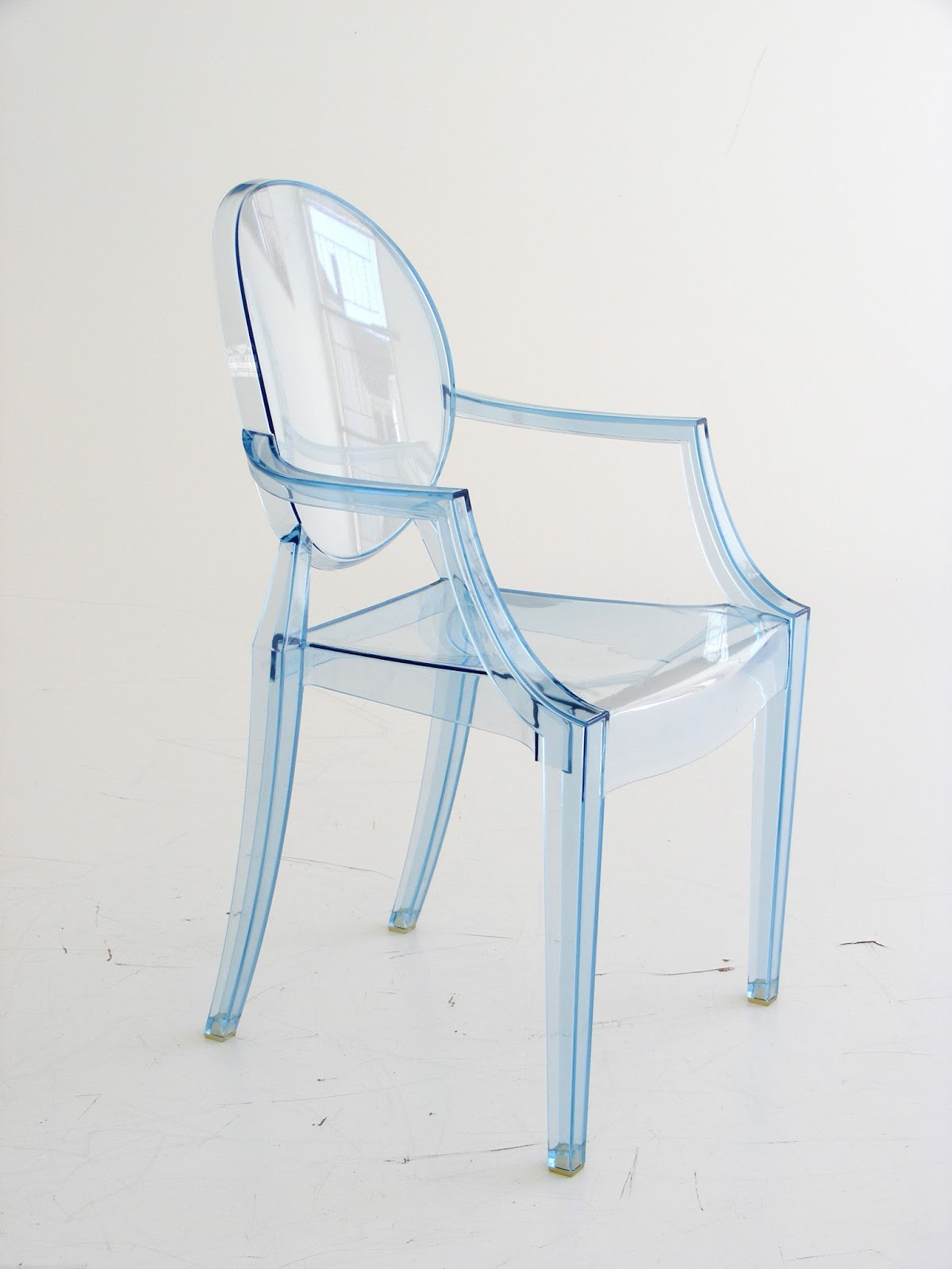 VAMP FURNITURE Just in A set of 4 Lou Lou Ghost chairs by