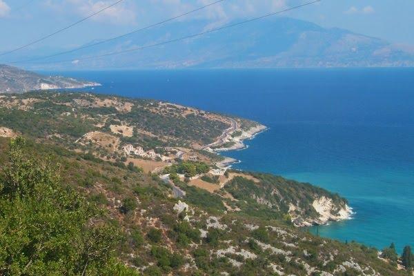 Widok na wyspę Kefalonia z drogi do Tsivili