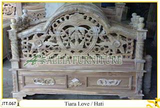 Tempat tidur ukiran Jepara kayu jati Tiara Hati Love