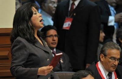 Martha Chávez en el Congreso durante el mensaje de la Nación del Presidente Ollanta Humala