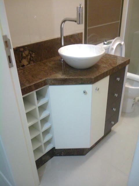 Formularte móveis sob medidas Banheiro de ângulo com predra marrom e cuba de -> Cuba Banheiro Marrom