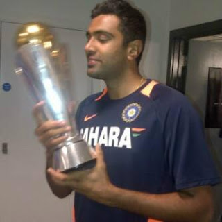 Ashwin-with-champions-Trophy-2013