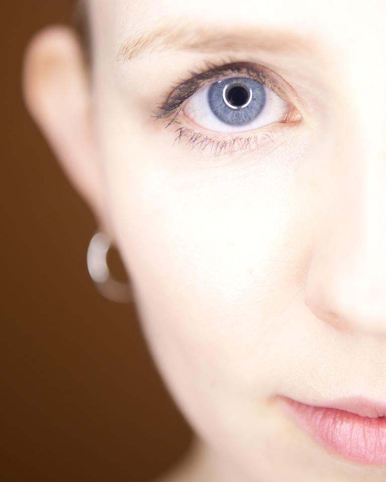 Airbrush Makeup: Pros and Cons - Kaylins Kit