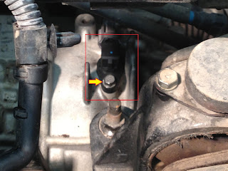 Changing the Speed sensor in a 05 Kia Sedona The Crazy